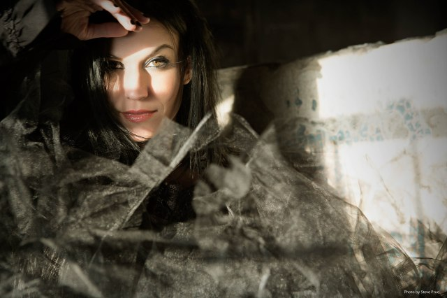 Single_Photo_Cristina